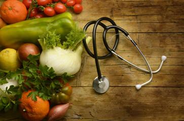 ミドリムシには、ビタミンやミネラル、アミノ酸など合わせて59種類もの栄養素が含まれています。 理論上は、「ミドリムシだけで生きていける」と言われています。