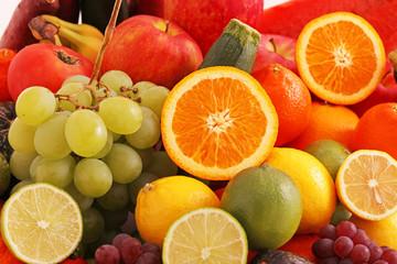 「お肌に良い栄養素」くらいにしか思われていないビタミンですが、体の機能維持には不可欠といえます。