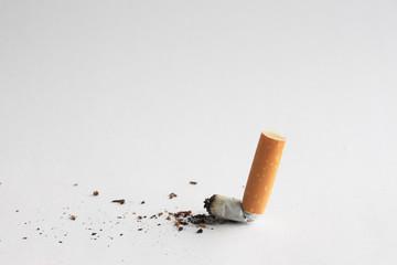 肺がんの原因としては、「喫煙」が挙げられます。