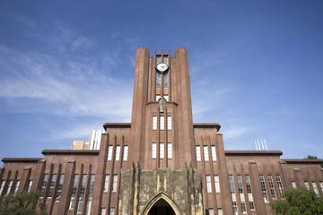 2005年、東京大学(正確には大学内のベンチャー企業)がミドリムシの大量培養に成功したのです。