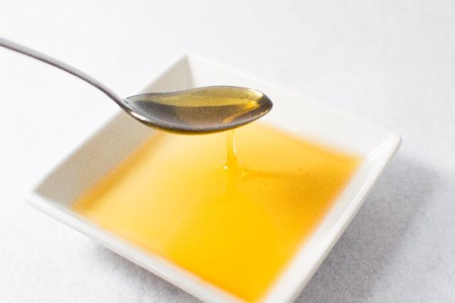 不飽和脂肪酸を含む油は常温で液体の状態である
