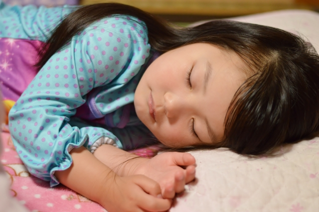 GABAは睡眠中に脳内で作られる抑制性神経伝達物質