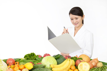 豊富かつ、バランスの良い栄養素を含んでいるからこそミドリムシは子どもにおすすめと言えます。