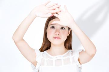 肌老化の原因として、まずは紫外線が挙げられます。