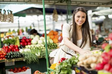 ミドリムシに含まれる栄養素の数は全部で59種類。
